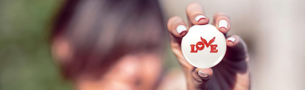 Love Button Global Movement #pauseandlove